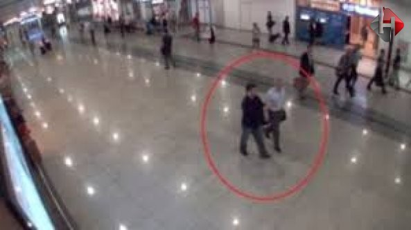 Adil Öksüz'ü Havalananından karşılayan Ali Kaya yakandı