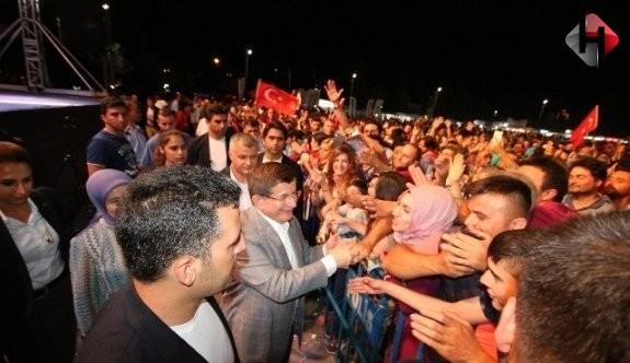 Davutoğlu,Gün Omuz Omuza Verme Günü