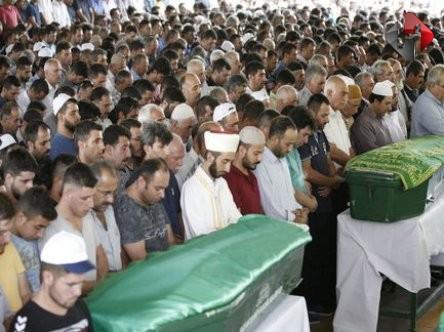 Gaziantep'te Cenazeler Toprağa Veriliyor