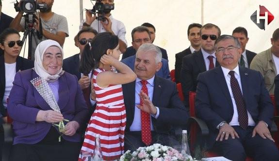 Başbakan Yıldırım'ın Herkesi Güldüren Okul Anısı...
