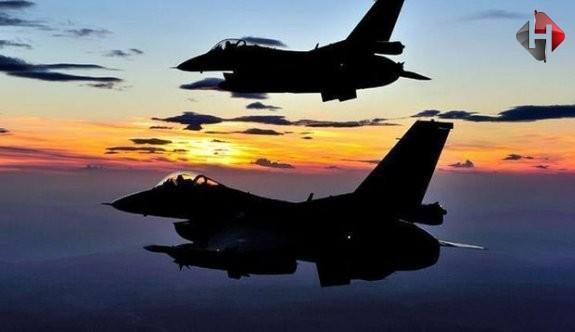 El Kaide'ye operasyon düzenlendi: 13 militan öldürüldü