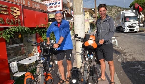 Hollandalı Baba Oğul Bisikletle Dünya Turunda