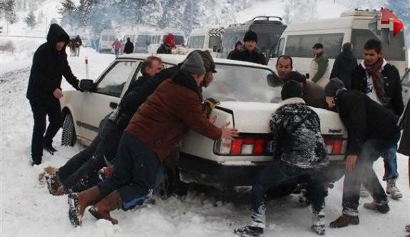 İlk Kar Erzurum'a Yağdı