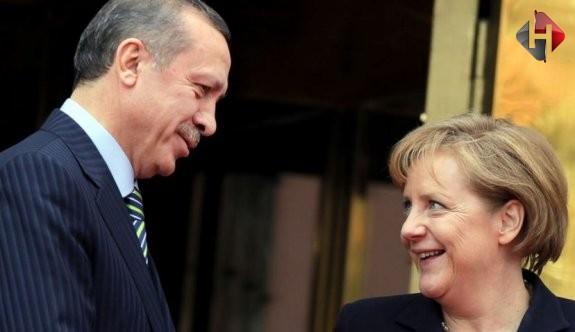 Merkel'den Önemli Türkiye Açıklaması