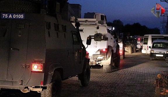 PKK, Polis Aracına Saldırı Düzenledi