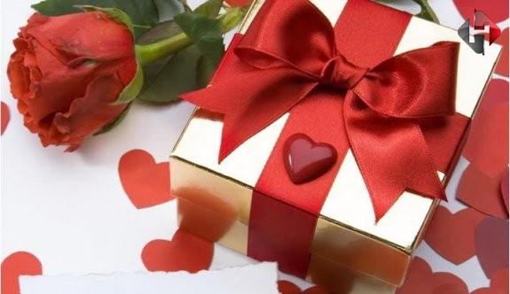 Sevgiliye Doğum Günü Hediyesi Ne Alınır?
