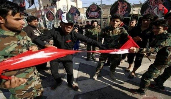 Irak, Türk Bayrağını Yırttı
