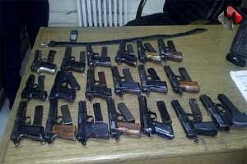 Türkiye'ye suikast silahları sokacaklardı..