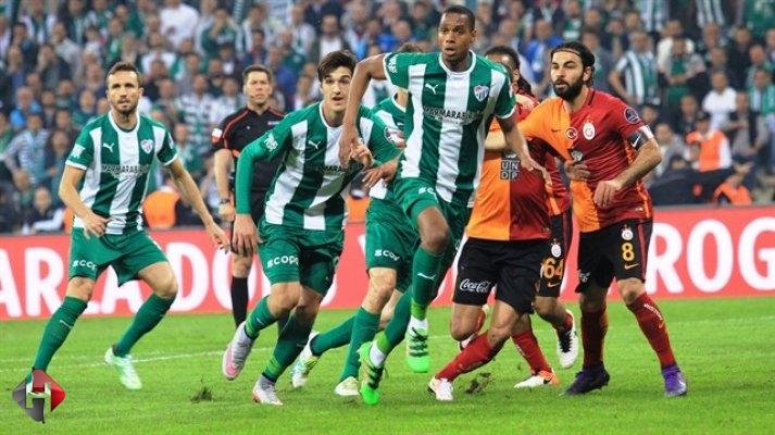 Galatasaray evinde Bursaspor'dan 3 puanı kaptı