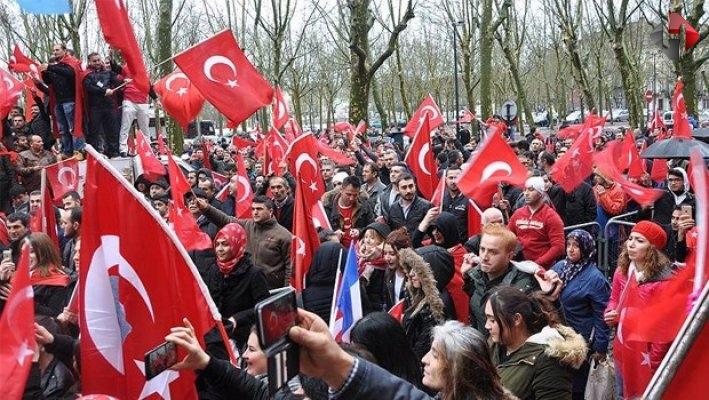 PKK Paris'i karıştırdı