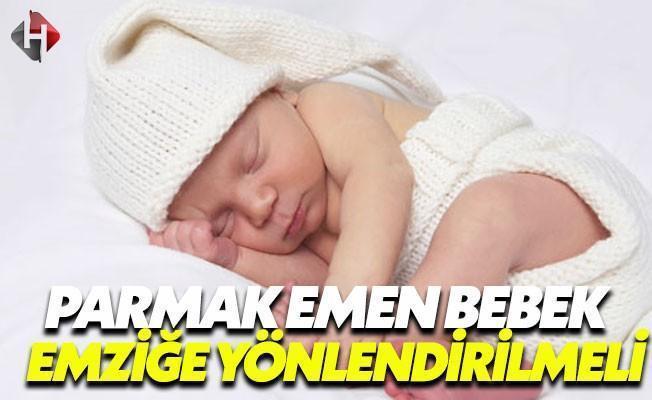 Anneler İlk Ayda Bebeğe Emzik Vermemeli