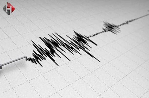 Manisa ve İzmir'de 4.9 şiddetinde deprem