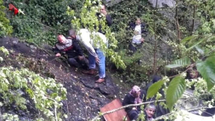 Zonguldak'ta korkunç minibüs kazası