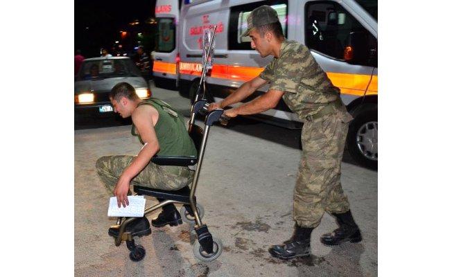Manisa'da 400 asker yemekten zehirlendi