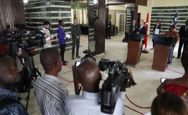 Dışişleri Bakanı Mevlüt Çavuşoğlu 12 Saatte Toplam 3 Afrika Ülkesini Ziyaret Yaptı