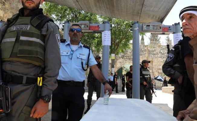 İsrail, dedektörden geçmeyeni, Mescid-i Aksa'ya sokmayacak!