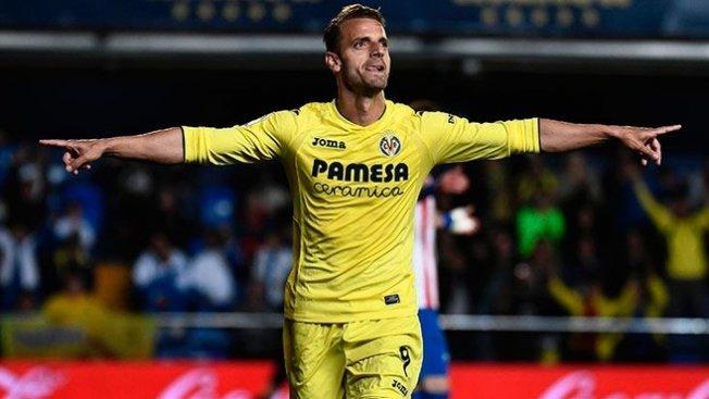 İspanyol golcü Roberto Soldado resmen Fenerbahçe'de