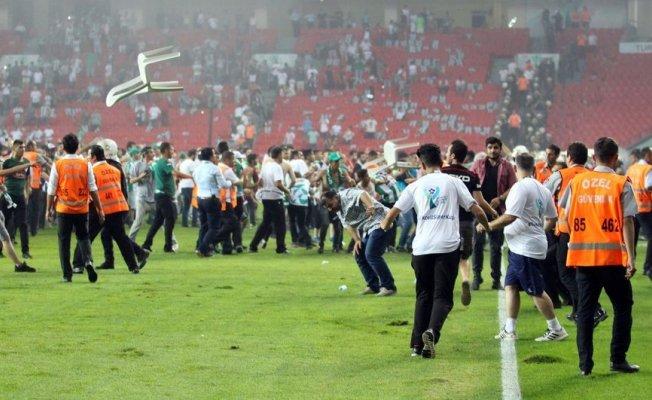 Konyaspor'a 2 Beşiktaş'a 1 maç seyircisiz oynama cezası