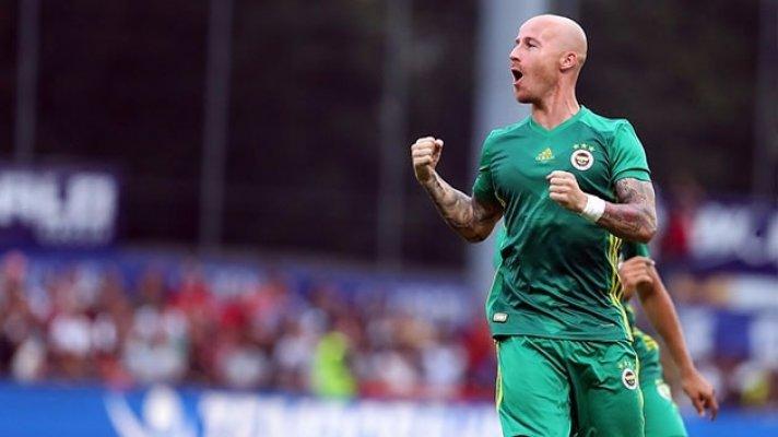 Miroslav Stoch resmen Slavia Prag'ta
