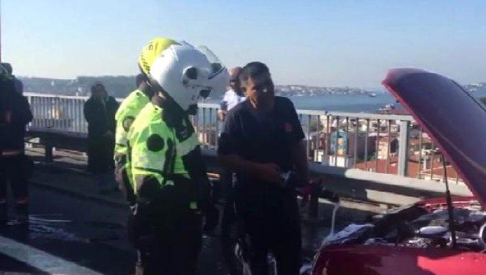 15 Temmuz Şehitler Köprüsünde Bir Araç Alev Aldı