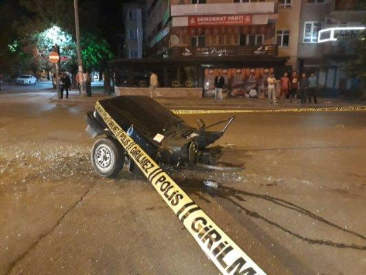 Ankara'da Dehşet Kaza! Araç İkiye Bölündü