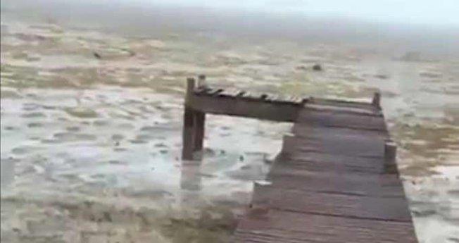 Deniz Suyu Geri Çekildi Halkı Korku Kapladı