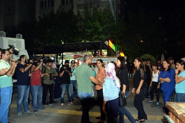 HDP'nin Diyarbakır'daki oturma eylemine OHAL engeli