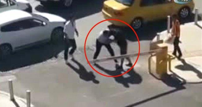 İzmir'de ESHOT şoföründen boksör gibi kavga