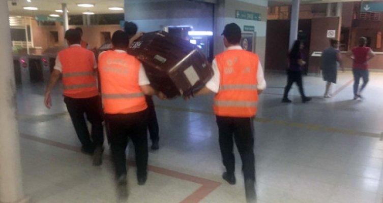 İzmir metrosunda intihar: 1 ölü