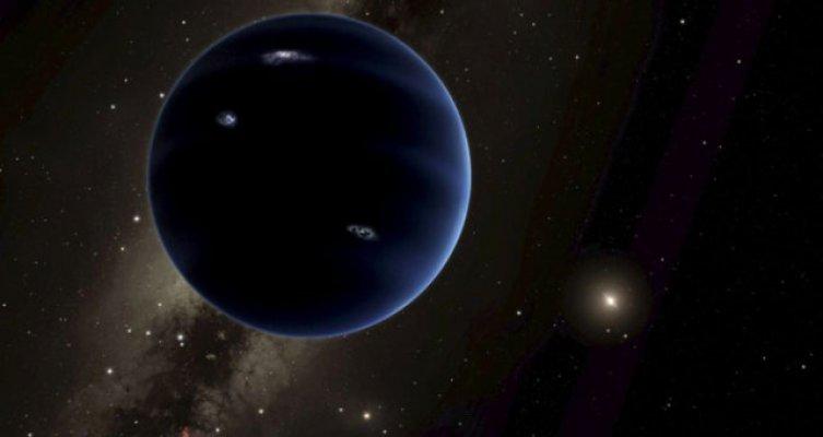 Yeni Keşfedilen Gezegen Simsiyah