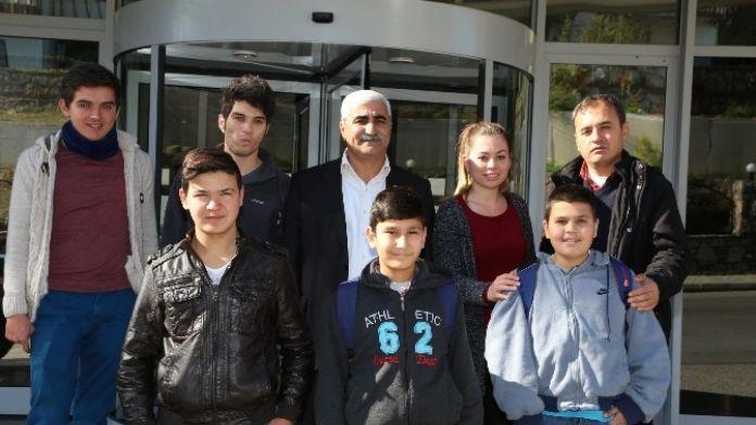 Fethiyeli Başarılı Öğrencilere Ödül Başkan Kocadon'dan