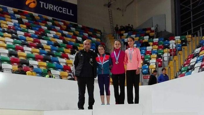 Türkiye Salon Atletizm Yarışmasında Kırşehir Başarısı