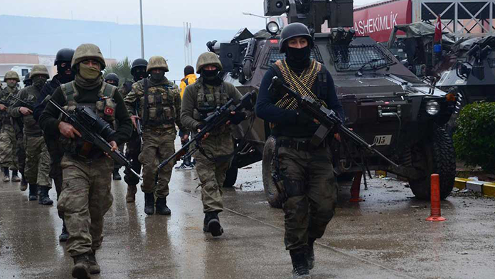 PKK'lılar Cizre'de iki bölgede sıkıştı