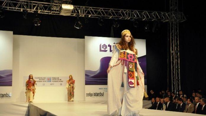 Moda Tasarım Öğrencilerinden TÜYAP'ta Defile