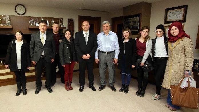 Başkan Karaosmanoğlu: 'Kültür Merkezlerimiz Geleceği Şekillendiriyor'