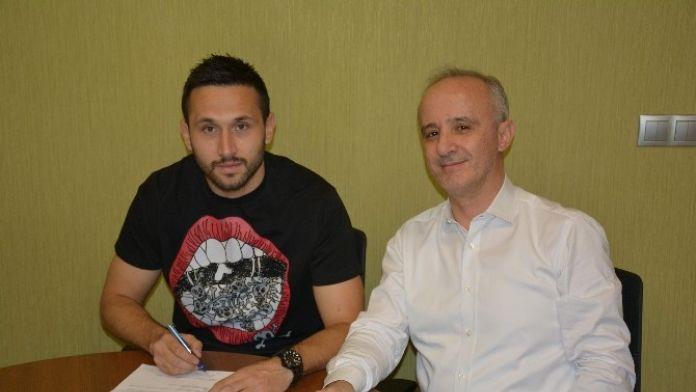 Torku Konyaspor, Vukovic'in Sözleşmesini 3,5 Yıl Daha Uzattı