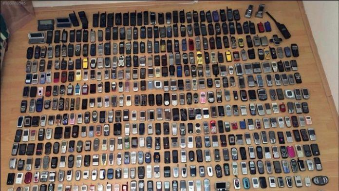 Bu telefon koleksiyonu satışta: Değeri 200 bin lira