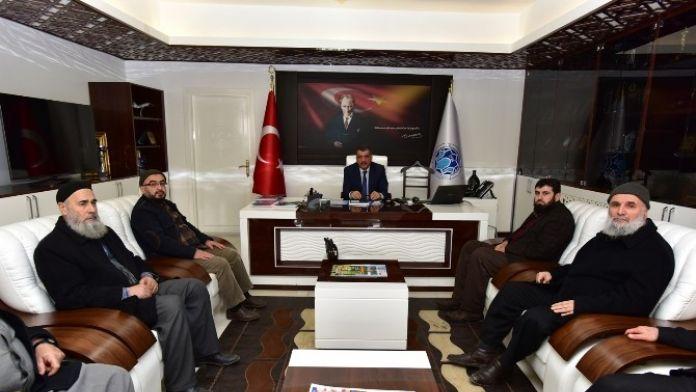 Semerkant Vakfı Malatya Gönüllüleri Derneği, Gürkan'ı Ziyaret Etti