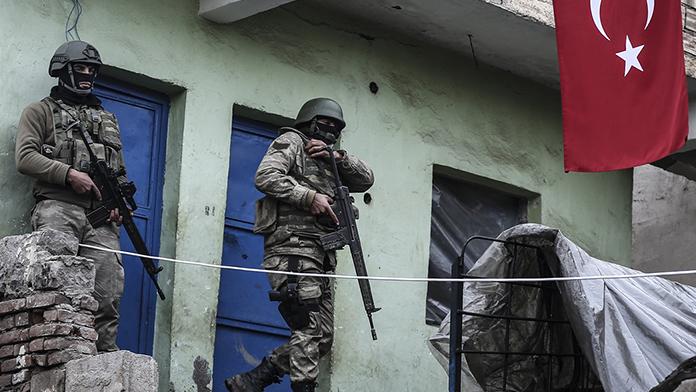 Sur'da 2 asker şehit oldu!