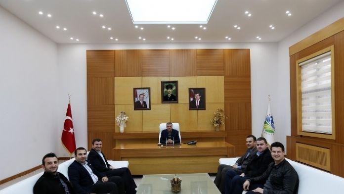 Başkan Zeki Toçoğlu AK Parti İl Gençlik Kollarını Ağırladı