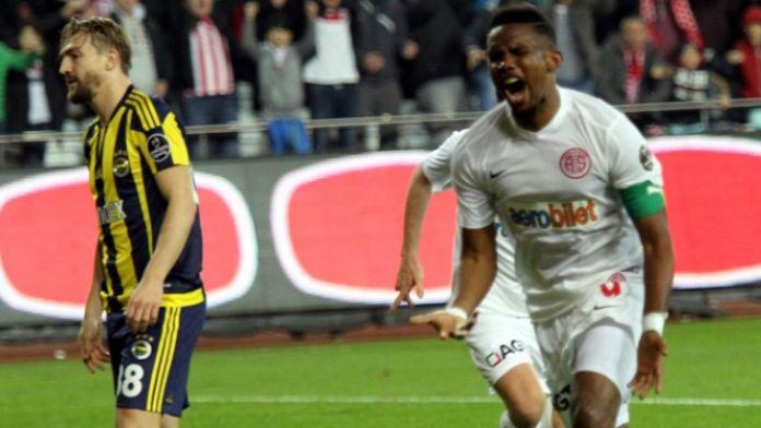Fenerbahçe'ye 4 gollü şok !