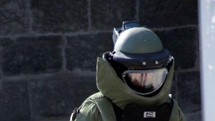 Turunç Ağacındaki Şüpheli Çanta Polisi Alarma Geçirdi