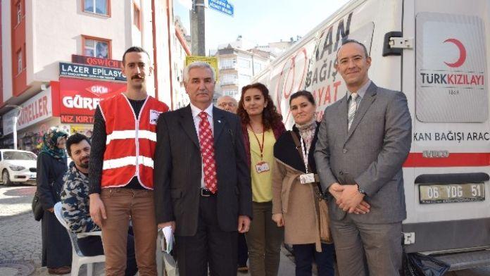 Giresun'da En Fazla Kadınlar Kan Veriyor