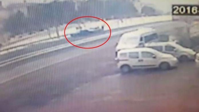 (Özel Haber) 'Yol Vermedin' Dediği Sürücüyü Başından Vurup Kaçtı