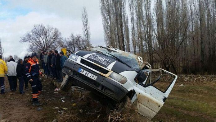 Boztepe Yolunda Yolcu Minibüsü Devrildi: 12 Yaralı