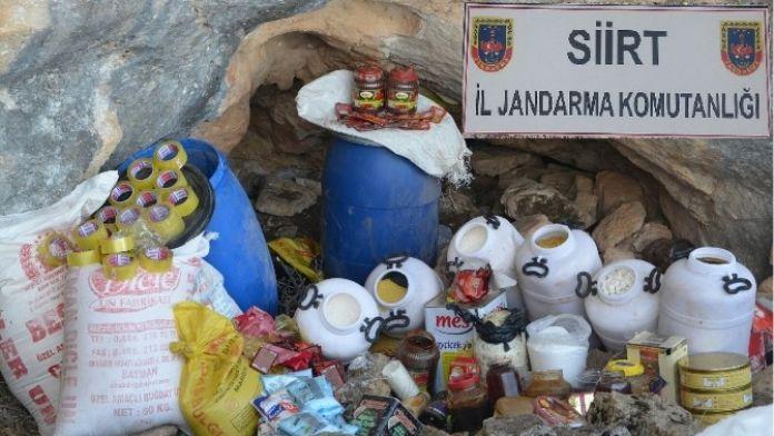 Siirt'te PKK'ya Ait Yaşam Malzemesi Ele Geçirildi