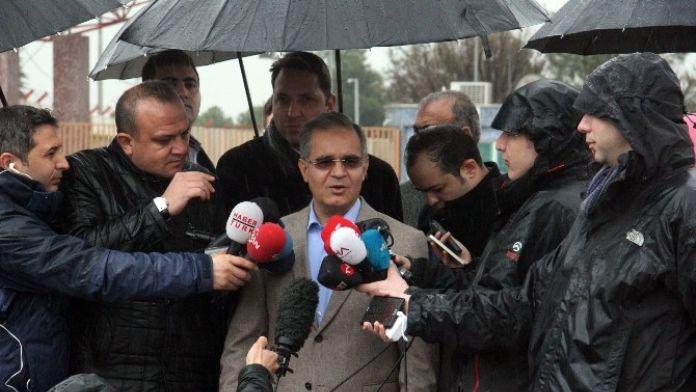 Vali Tapsız: 'Sivillere Yönelik Hava Saldırıları Durduğu Takdirde Kitlesel Göç Olmayacak'