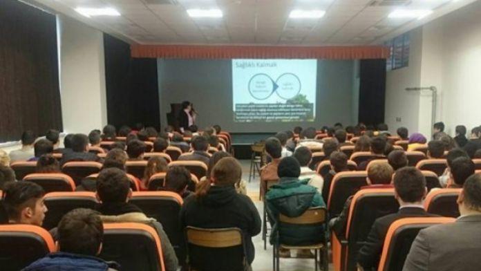 Lapseki'de Bağımlılıkla Mücadele Eğitimi Verildi