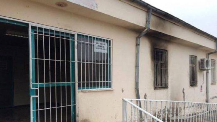 Diyarbakır'da Aile Sağlık Merkezi yakıldı