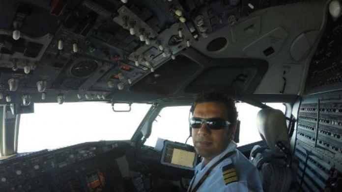 Pilot otomobiliyle kaza yaptı, yardım isterken 2 aracın çarpması sonucu öldü - ek fotoğraf